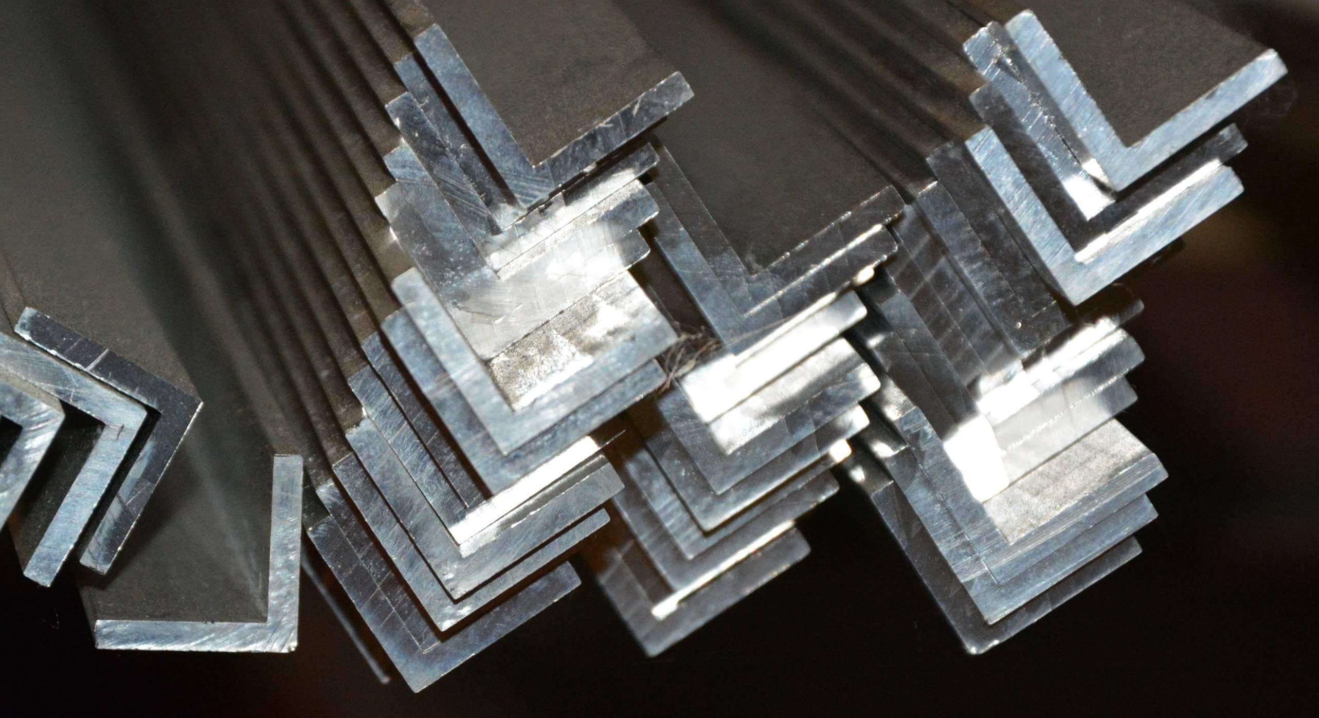 Alumínium Szögszelvény